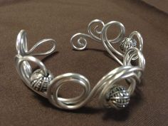 You could totally make an elven crown out of aluminum wire...(9 gauge?) Alu-Wire bracelet