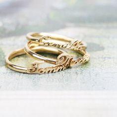 Anello in oro bianco, giallo o rosa personalizzato con nome _ maschio gioielli milano Nom Nom, Gold Rings, Rings For Men, Wedding Rings, Rose Gold, Engagement Rings, Jewelry, Enagement Rings, Men Rings