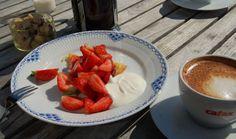 sun coffee and strawberry