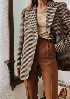 blazer and tshirt outfit Fall Blazer, Look Blazer, Check Blazer, Casual Blazer, Blazer Dress, Sleevless Blazer, Mode Outfits, Fall Outfits, Casual Styles