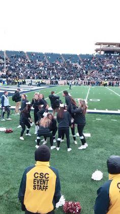 Easy Cheerleading Stunts, Cool Cheer Stunts, Cheerleading Cheers, Cheer Coaches, Cheer Picture Poses, Cheer Poses, Handstand, Cheer Dance Routines, Stunt Video