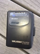 SONY Walkman WM-FX111 Portable Personal Cassette Player Nice Turns On VTG
