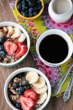 Banana Berry Breakfast Bowl