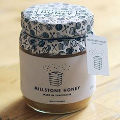 The family of traditional Polish beekeepers took up the challenge to create more buzz around their quality honey. Honey Packaging, Food Packaging Design, Chocolate Packaging, Coffee Packaging, Bottle Packaging, Packaging Design Inspiration, Honey Recipes, Gourmet Recipes, Gourmet Foods