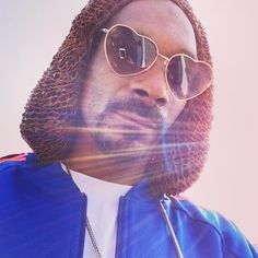 Snoop Dogg wearing gTIE's unique knitted leather hat.