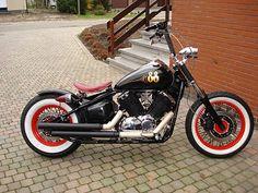Cafe Racer Special: Yamaha Dragstar 1100 oldscool bobber build by Geert Baudet