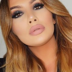 The Perfect look for a Friday night out by @j_make_up #readyfortheweekend