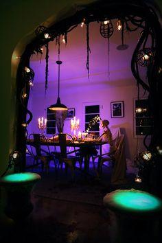 Halloween dining table light skeleton decor
