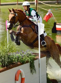 Aussie - Out of water Jump - London 2012 Olympics Cross Country   Such heart, strength and grace!!!!