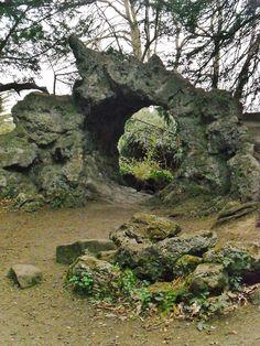 Anyone else see a big leafy face inside that fairy portal? vwcampervan-aldridge: Stargate SG1 — The Hobbit — magic fairy portal — garden folly, Elvaston Castle Gardens, Elvaston, Derbyshire. All Original Photography byhttp://vwcampervan-aldridge.tumblr.com