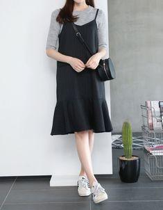 32 ideas skirt outfits korean fashion sets for 2019 korean fashion Korean Fashion Dress, Korean Fashion Casual, Ulzzang Fashion, Korean Dress, Dress Fashion, Look Fashion, Trendy Fashion, Fashion Outfits, Fashion Sets