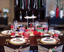 This year's Kentucky Derby is Saturday, May 4, 2013, and, that means you have just over a week to pull your party together. Here is a party plan that will insure a fabulous time will be had by all!