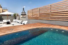 El Hotel Inglaterra, el primer Hotel Boutique de Barcelona, ha conseguido de la mano de Hotel Majestic 5* Gran Lujo, la excelencia de servicio que sólo aportan más de 90 años de experiencia acogiendo a los viajeros mas exigentes.