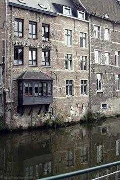 Restaurant Madrid langs de Dijle in Mechelen, Belgium