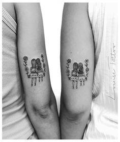 Meet the most nominated tattoo artists from Minas Gerais - - Cousin Tattoos, Mommy Tattoos, Friend Tattoos Small, Sister Tattoo Designs, Bestie Tattoo, Matching Best Friend Tattoos, Tattoos For Daughters, Matching Tattoos, Small Tattoos