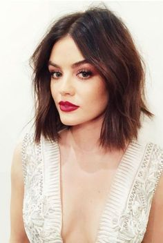 Find out how to style cute short hair with the help of our brilliant ideas that are extremely easy to pull off. Get some inspo to style your short hair. promi frisuren 21 Great Ways To Wear Cute Short Hair Cute Hairstyles For Short Hair, Celebrity Hairstyles, Short Hair Cuts, Curly Hair Styles, Lucy Hale Hairstyles, Easy Hairstyles, Celebrity Bobs, Spring Hairstyles, Formal Hairstyles