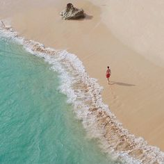 Tag your friends if you really want to go there with them . Tag teman2 kamu yang harus kesini sama kamu liburan ini . Lokasi/location: Pantai Balangan, Bali . Balangan Beach, Bali . Credits to: @odikabayoe . Go check it out . #Balivellers #IT_Bali ADD OFFICIAL LINE: @INDOTRAVELLERS ingat pakai @ yaa :D Ayo gunakan hashtag #INDOTRAVELLERS siapa tau foto kamu yang akan kami repost berikutnya
