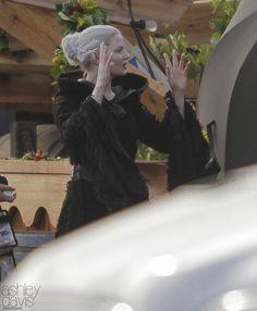 "Jennifer Morrison as Dark Emma    Behind the scenes - 5 * 1 "" Dark Swan"" - 17 July 2015"