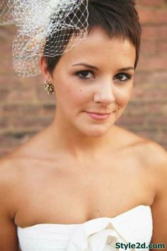 Very Short Pixie Wedding Hairstyles img5794a63b22ef99507