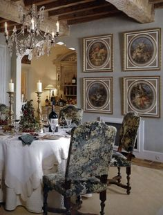 dining room in Provence