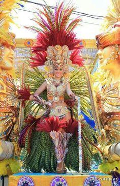 Panama 2014 Carnival Dancers, Rio Carnival, Carnival Costumes, Lion Wallpaper, Beautiful Costumes, Panama City Panama, Central America, Belle Photo, Trinidad