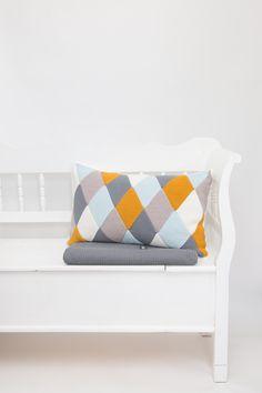 Free Pattern Crochet cushion. Durable Coral