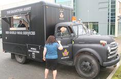 Nachbau eines Kantinenfahrzeugs der Heilsarmee im alten Look. Dieses Fahrzeug wird in Kanada zur Versorgung bei Katastrophen und Notfalleinsätzen eingesetzt.
