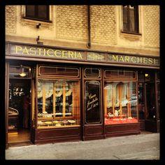 Pasticceria Marchesi in Milano, Lombardia - croissants and cappucinos