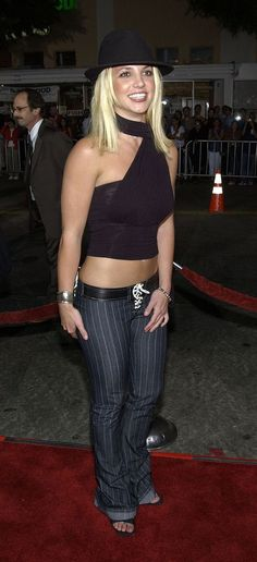 """Britney Spears at the """"The Four Feathers"""" premiere in 2002...<3 her! Can't help myself"""