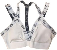Nike White Indy Logo Light-support Activewear Sports Bra Size 8 (M, Nike Outfits, Sport Outfits, Nike Bras, Nike Crop Top, Forever 21 Fashion, Nike Pro Women, Models Off Duty, Sports Bra Sizing, White Nikes