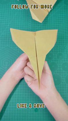 Paper Folding Crafts, Paper Crafts Origami, Paper Crafts For Kids, Preschool Crafts, Diy Paper, Diy For Kids, Diy Crafts Videos, Hobbies And Crafts, Make A Paper Airplane