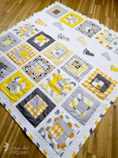 "Playful Baby Quilt PDF Pattern with human footstep applique, ""Smalls Steps"" patchwork from Magic Little Dreams. Illustration Software, Neutral Baby Quilt, Yellow Quilts, Applique Quilt Patterns, Handmade Baby Gifts, Cute Pattern, Quilt Making, Quilting Designs, Baby Quilts"