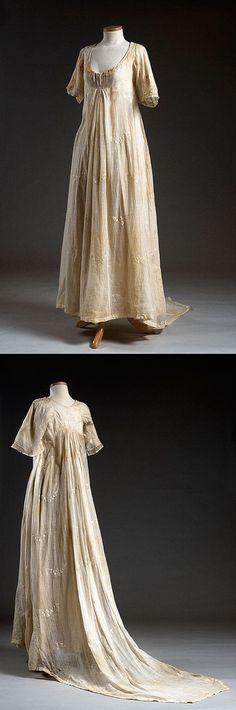Cotton Muslin Wedding Dress, 1801 1800s Fashion, Vintage Fashion, Vintage Dresses, Vintage Outfits, Cotton Muslin, Muslin Fabric, Period Outfit, Gorgeous Wedding Dress, Fashion Fabric