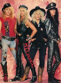 One of the most popular glam bands of the Poison.🎸 Rikki Rockett was responsible for a lot of their hair, makeup and accessories since he was, as well as a drummer, a trained hairdresser. Big Hair Bands, Hair Metal Bands, Glam Metal, Poison The Band, Bret Michaels Poison, Look 80s, 80s Hair Metal, Rock Y Metal, Rock Rock