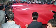 #haber #bayrak #BayrakSereftir #BayrakNamustur #ulkuculer #ulkuocaklari #lice  Ülkücülerin Bayrak Protestosu Tüm Yurrta Ses Getirdi