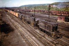 Pennsylvania Railroad, Locomotive, Bridges, Roads, Railroad Tracks, Places To Go, America, Models, World