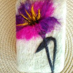 Felted Soap, Wet Felting, Needle Felting, Felting Tutorials, Small Paintings, Felt Fabric, Xmas Ornaments, Felt Art, Felt Christmas