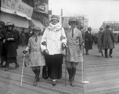 1920s ATLANTIC CITY Boardwalk Empire Era fashion