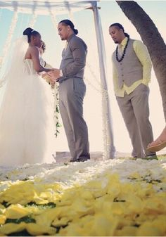 On January 16, 2014, Jonathan Fatu (Jimmy Uso) married Trinity McCray (Naomi) in Hawaii. Jon's twin brother Joshua Fatu (Jey Uso) was his best man.