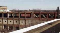 Skiing in abandoned Detroit buildings is coolest thing you'll see today :: when life gives you lemons...MAKE A SKII JUMP OUT OF THEM SHITS DAMN THIS IS COOL