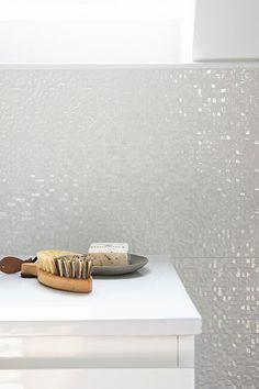 tegels met mozaiek patroon erin | minder bewerkelijk om te tegelen dan mozaiekmatjes | via mozaiek utrecht