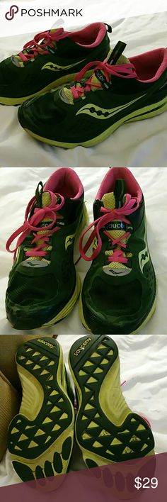 Saucony Grid Profile Women's Running Shoes Size 9 Nice. Lots of life left. I love the colors. Please feel free to message any questions or request more pictures. Thanks for looking.   Have a nice day.   Tracy Saucony Shoes Athletic Shoes