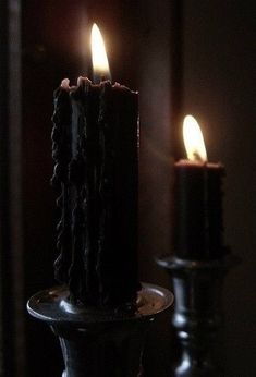 Candle magic and color magic are two simple and powerful forms of magic used by witchcraft. Rogue Assassin, The Wardstone Chronicles, Imagenes Dark, Dark Tumblr, Toni Mahfud, Maleficarum, Yennefer Of Vengerberg, Catty Noir, Black Candles
