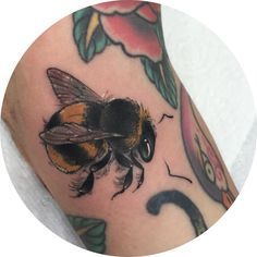Little bumble bee for my good friend @lonevixon ,giving me that Friday feelin' every week 🎉🐝 💕 #bumblebee #beets typo #bees #bees tattoo #beetattoos #tattoo #neotrad #tattoos #neotraditional #neotraditionaltattoo #neotraditionaltattoos #uktattoo...