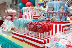 big top carnival treat box | These cookies are little masterpieces themselves.... WOW.