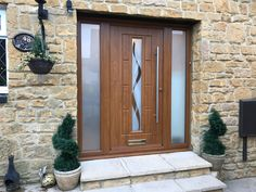 An industry-leading manufacturer of tailor-made composite doors, stable doors and french doors with unmatched strength and security. Oak Front Door, Back Doors, Composite Front Door, Entry Hallway, Light Oak, Hallways, Vermont, Garage Doors, New Homes