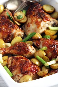 Chicken Green Onions and Chutney. Delicious and easy to make one-tray bake with chicken legs green onions and potatoes. Mango Recipes, Meat Recipes, Chicken Recipes, Dinner Recipes, Cooking Recipes, Healthy Recipes, Hawaiian Recipes, Delicious Recipes, Healthy Food