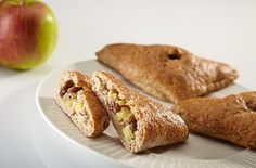 Volkoren speltbroodjes met appel en rozijnen