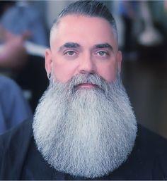 Fresh high fade with combover. Barba Grande, Badass Beard, Epic Beard, Grey Beards, Long Beards, Moustaches, Bart Tattoo, Sexy Bart, Beard Cuts