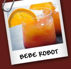 Bebe Robot Ingredientes con alcohol  • 1 ½ taza de whisky • 1 taza de jugo de naraja • 1 taza de martini  Sin alcohol (Para las Mamas)  • 3 tazas de jugo de naranja • ½ taza de jugo marrasquino o granadina   Preparación  Con alcohol: Combina los ingredientes en una coctelera con hielo y mezcla bien. Agrega mucho hielo picado a un vaso mediano y sirve. Decora con media rodaja de naranja. Sin alcohol: Combina los ingredientes en un vaso con hielo y mezcla bien.